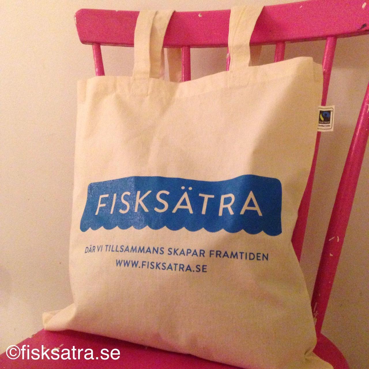 Fisksätrakassen med Fisksätras nya logga & slogan